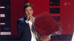 Селим Алахяров приготовил букет роз самой красивой женщине на Голос 6